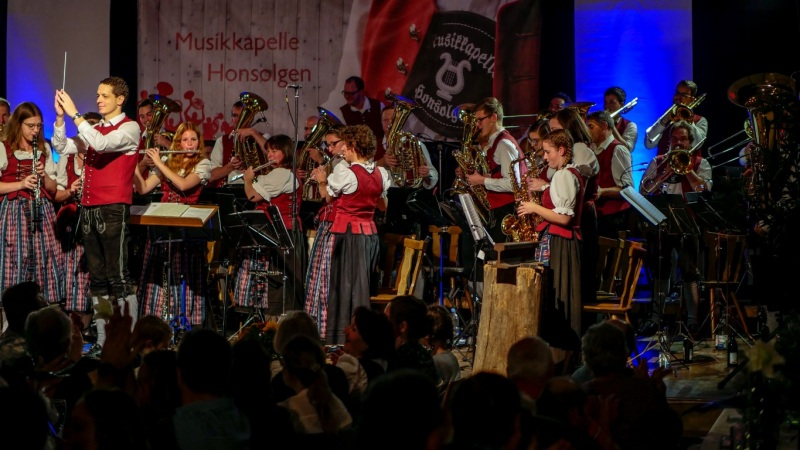 7.-Honsolgener-Blasmusiknacht_001
