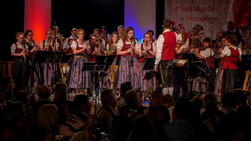 7.-Honsolgener-Blasmusiknacht_002