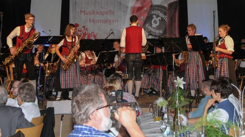 7.-Honsolgener-Blasmusiknacht_033