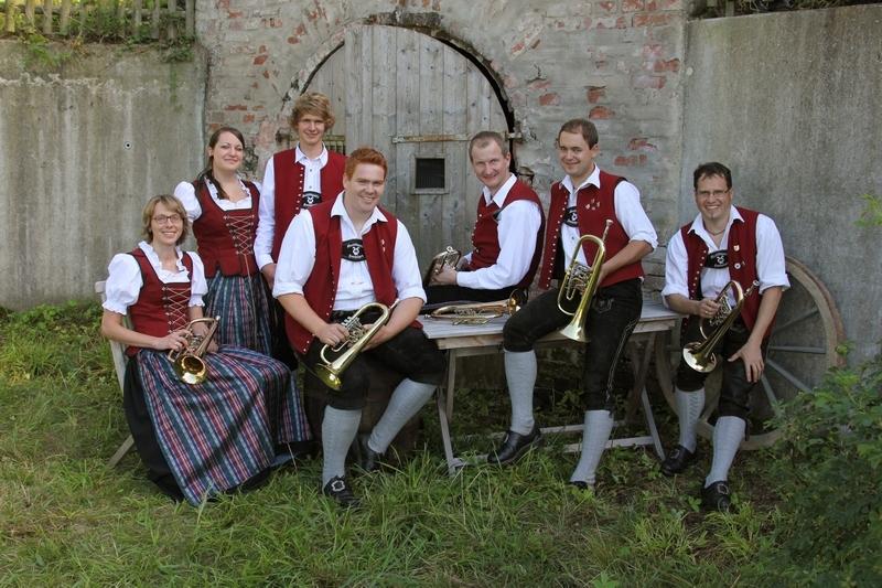 Flügelhörner: Dorothee Lang, Michaela Diepolder, Simon Lang, Georg Fischer, Thomas Port, Andreas Lang, Gerhard Frei